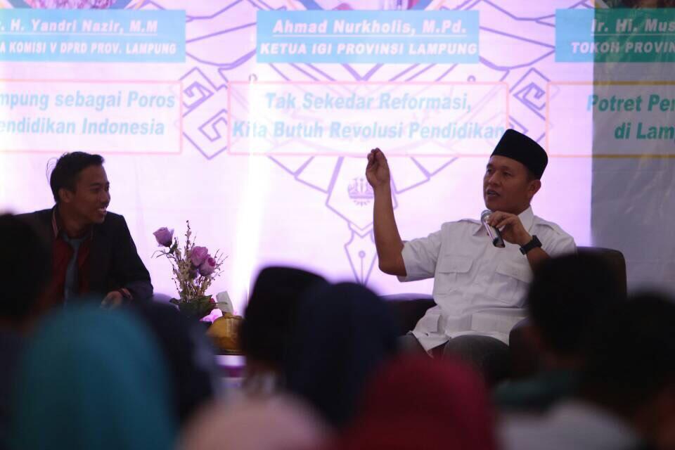LAMPUNG POST   Mustafa Isi Diskusi Publik Pendidikan di Unila
