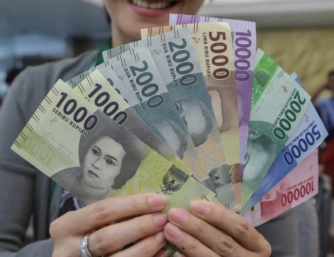 Rupiah Melonjak ke Level Rp13.328/USD