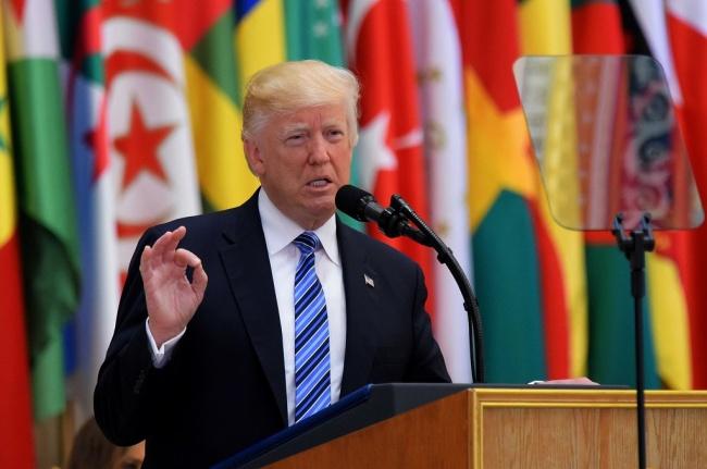 LAMPUNG POST | Trump Minta Tokoh Dunia Muslim Bersatu Hadapi Krisis Ekstremisme