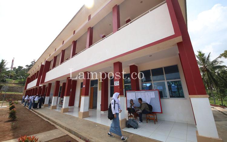 LAMPUNG POST | Tahun Ini Lampung Bangun 7 Sekolah Baru, Ini Lokasinya