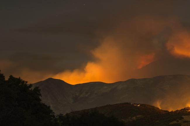 LAMPUNG POST   Kebakaran Hutan Landa Pulau Kythera, Yunani, Warga Diungsikan