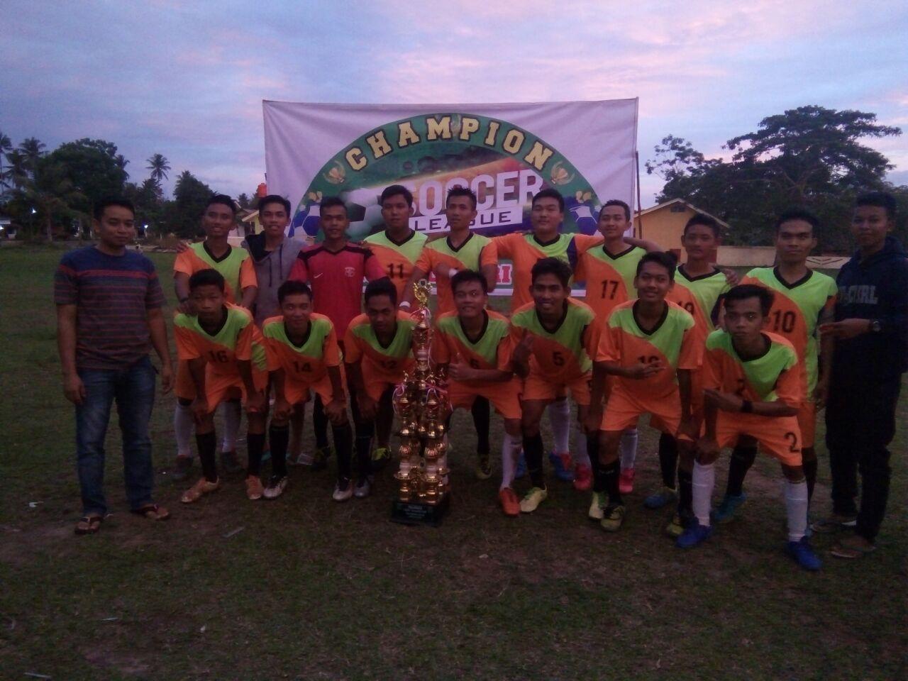 LAMPUNG POST | DAN7 Juara Liga Amatir Sepak Bola Tanjungsari-Tanjungbintang 2017