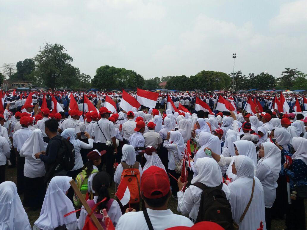 LAMPUNG POST | Lampung Tengah Semaraki HUT RI dengan Pecahkan Rekor MURI