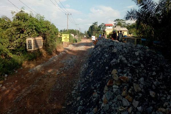 Pemkab Tulangbawang Perbaiki Jembatan Ambrol