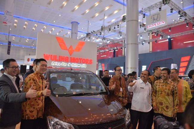 LAMPUNG POST | Wuling Hadir Di GIIAS Surabaya 2017