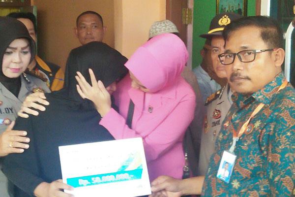 Jasa Raharja Beri Santunan Rp50 Juta ke Ahli Waris Fakhrial