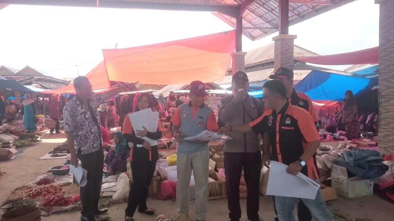 LAMPUNG POST | KPU Lambar Sosialisasi Pilgub Lewat Gerbek Pasar