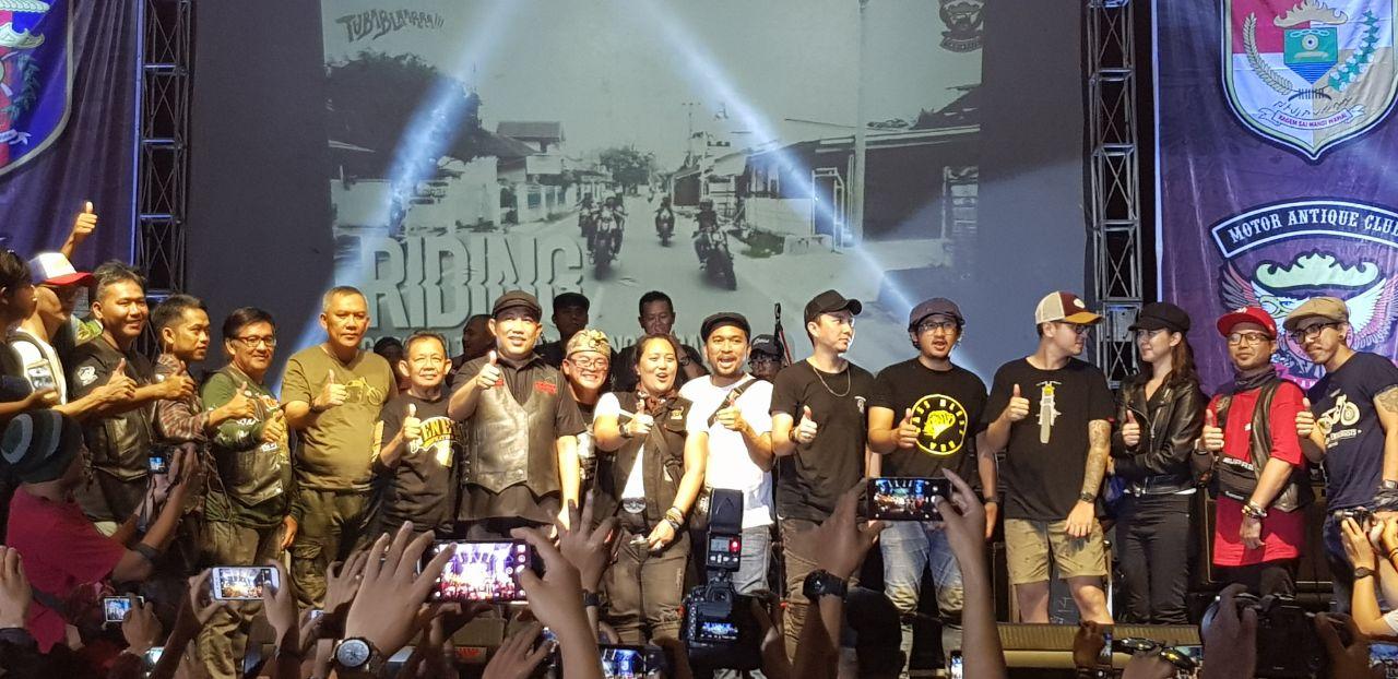LAMPUNG POST | Ribuan Bikers dan Artis Ibukota Meriahkan Malam Puncak Tubablaarrr