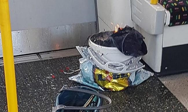 LAMPUNG POST | Ledakan Terjadi di Kereta Bawah Tanah London