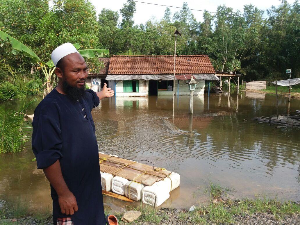 Pemkab Lamteng Tak Berdaya Tangani Banjir, Warga Menderita