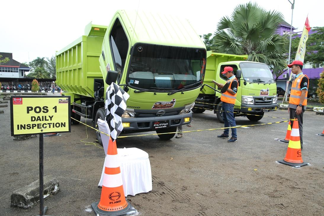 LAMPUNG POST | Hino Dutro Safety Driving Competition Sapa Pontianak