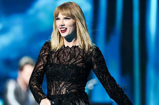 LAMPUNG POST   Cara Taylor Swift Tunjukkan Kedekatan dengan Penggemar