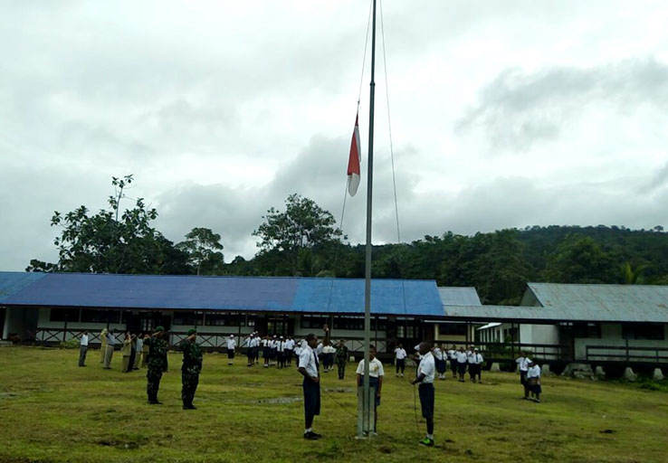 5 Tahun Terhenti, Upacara Bendera Kembali Digelar SMPN 1 Waris