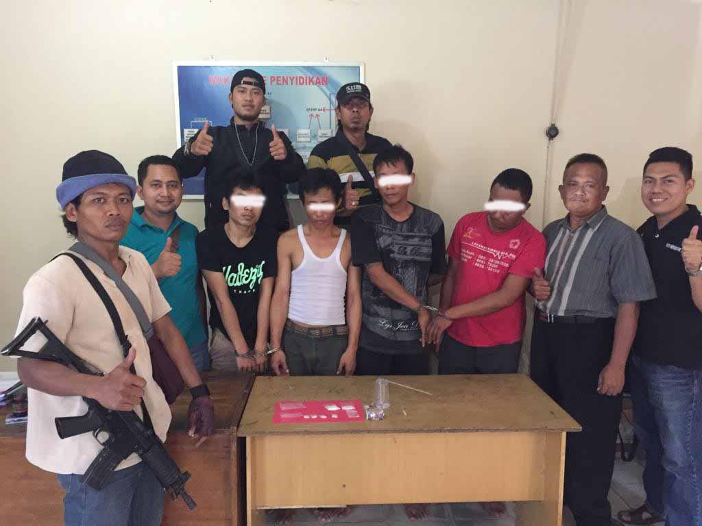 LAMPUNG POST | Asyik Pesta Sabu, Bandar dan Kurir Dibekuk Satreskrim Polsek Natar
