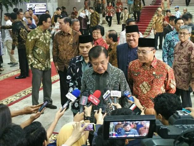 LAMPUNG POST | Wapres JK Percaya Pertemuan dengan SBY Tenangkan Situasi Politik
