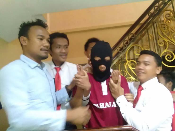 VIDEO: Tertunduk Malu, Diduga Penghina Suku Lampung Ini Ditangkap Polisi