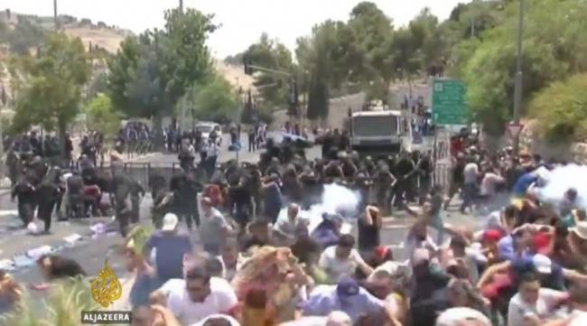 LAMPUNG POST | Bentrok dengan Polisi Israel, Tiga Warga Palestina Tewas