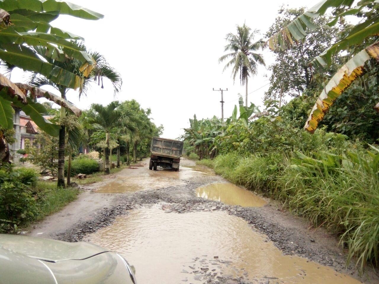 Tonase, Curah Hujan dan Tanah Labil Jadi Faktor Penyebab Kerusakan Jalan