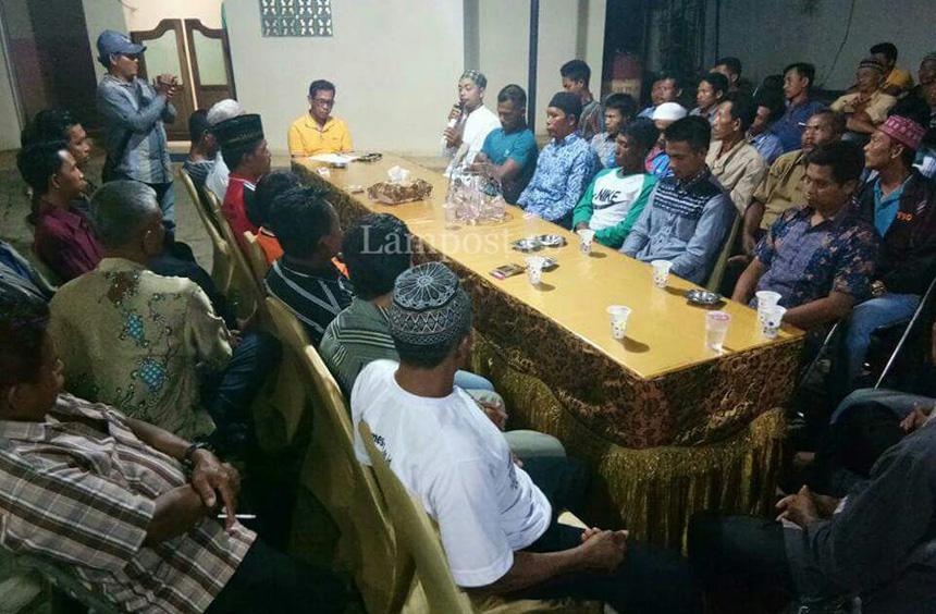 LAMPUNG POST | Ratusan Warga Minta Khamami Lanjutkan Kepemimpinan di Mesuji