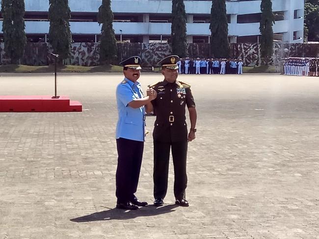 Sah! Marsekal Hadi Pegang Tongkat Komando TNI