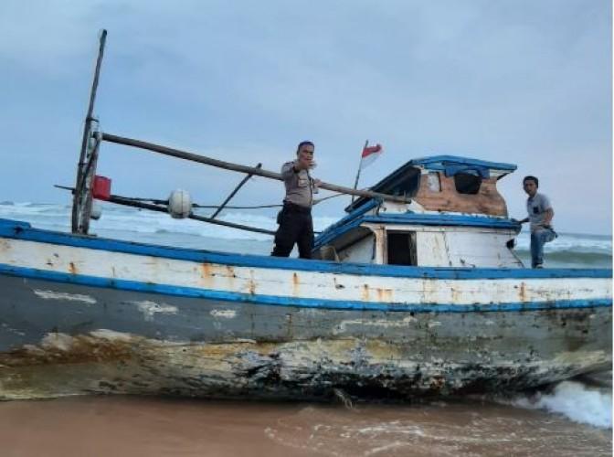 7 Nelayan asal Banten yang Terdampar di Pesisir Barat Berhasil Dievakuasi