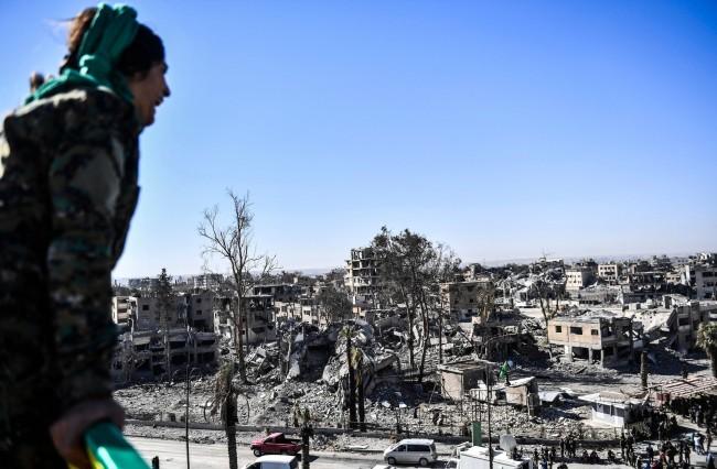 LAMPUNG POST | Serangan Udara Rusia Tewaskan 16 Warga Sipil, Termasuk Anak-anak di Suriah