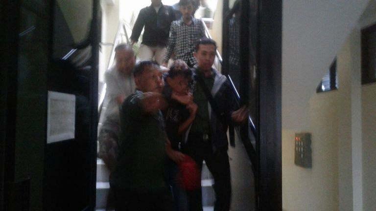 LAMPUNG POST | LAMPOST TV: Hendak Mencuri Motor, Remaja Ini Jadi Bulan-bulanan di PN Tanjungkarang