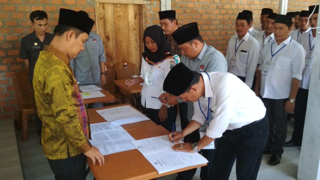 KPU Pesisir Barat Lantik 33 PPK Untuk Pemilu 2019