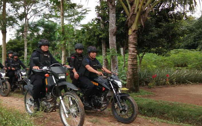 Tekan Angka Kejahatan, Brimob Lamteng Gelar Patroli Rutin
