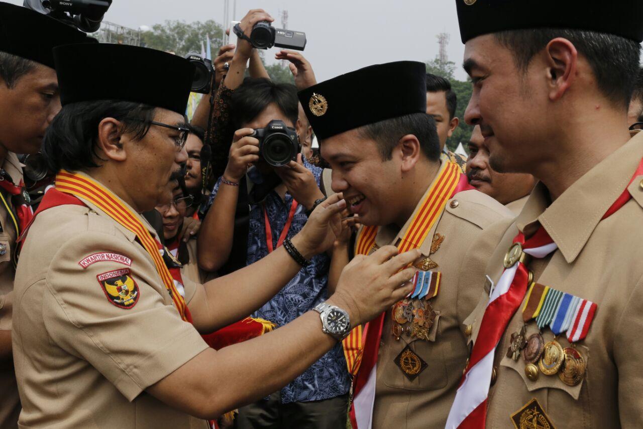 LAMPUNG POST | Hari Pramuka, Gubernur Lampung Raih Lencana Melati
