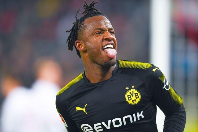 Batshuayi Borong Dua Gol Pada Laga Debut Bersama Dortmund