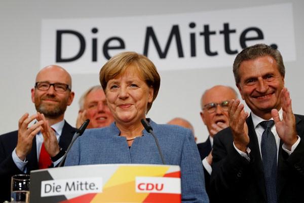 LAMPUNG POST | Usulkan Hari Libur Bagi Muslim, Menteri Jerman Dikecam Konservatif