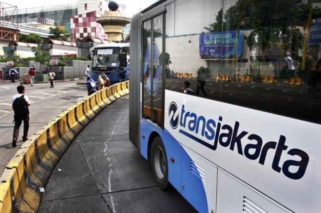 LAMPUNG POST   Halte Transjakarta Kampung Melayu Tak Beroperasi