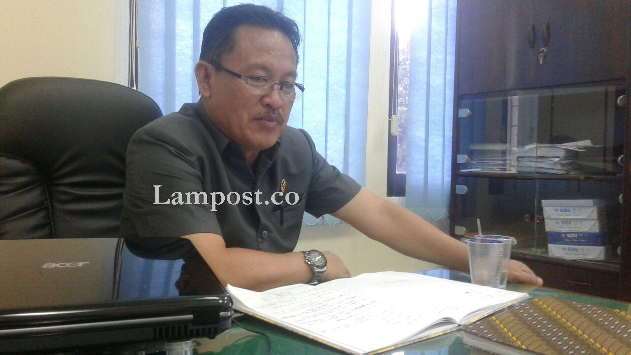LAMPUNG POST | Koruptor Buku Perpustakaan SD di Lamteng, Harus Bayar Uang Pengganti Rp9,6 Miliar