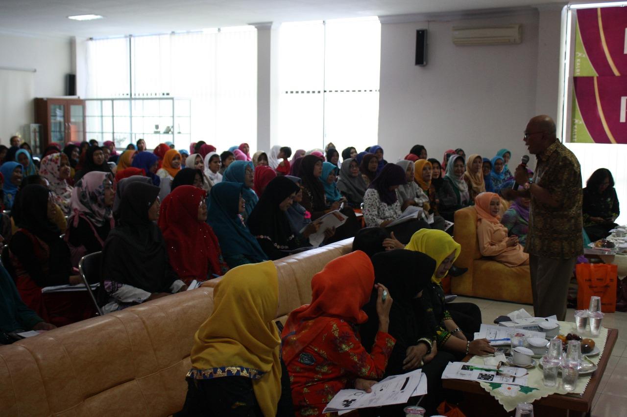 LAMPUNG POST | RS Mitra Husada Pringsewu Gelar Seminar Anak