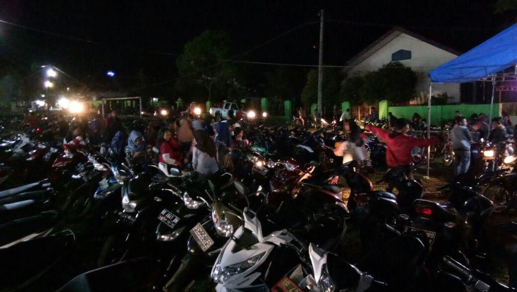 Tarif Parkir Lebih Mahal Dikeluhkan Pengunjung Pasar Malam di Palas