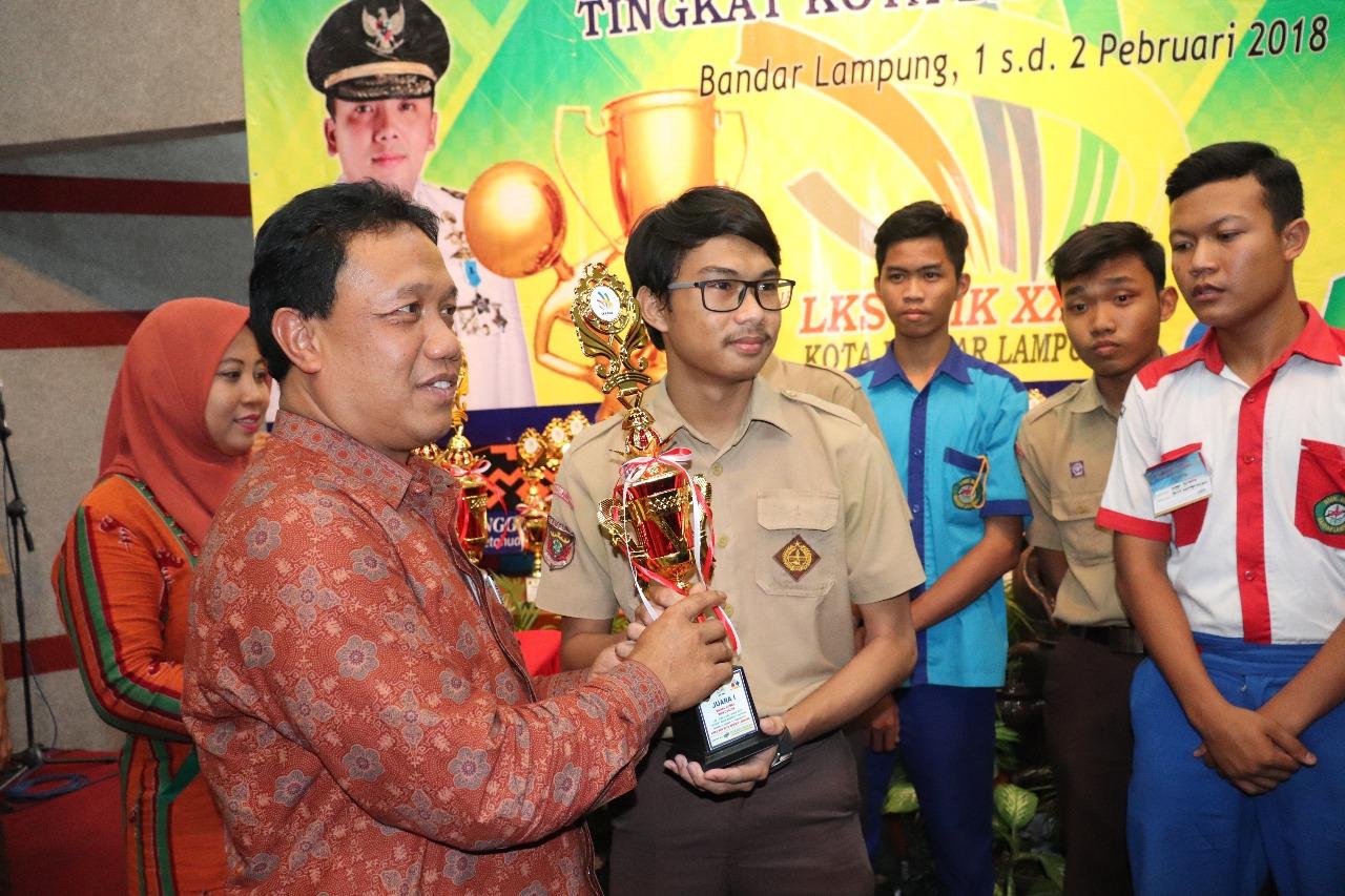 66 Siswa SMK Bandar Lampung Dapat Beasiswa UBL