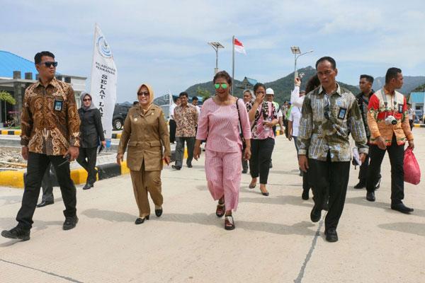 LAMPUNG POST | Menteri Susi Gelorakan Semboyang Laut Beranda Kita