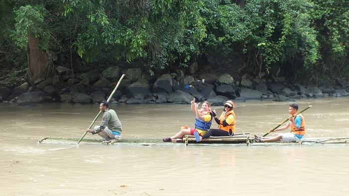LAMPUNG POST | Pemkab Way Kanan Gelar Bamboo Rafting