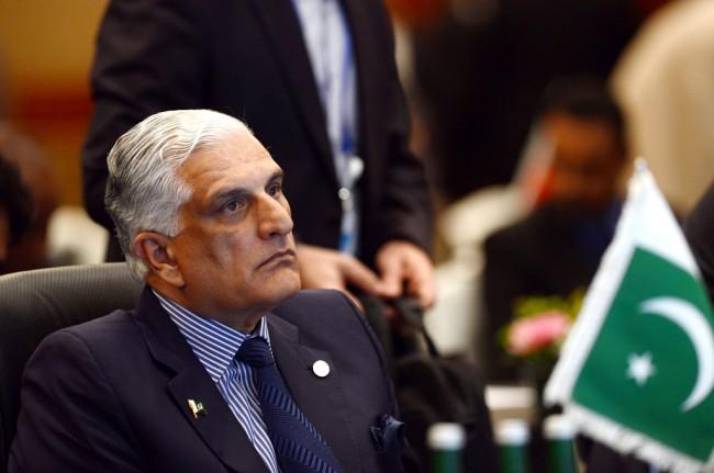 LAMPUNG POST | Menteri Hukum Pakistan Mundur atas Tuduhan Peni   staan Agama