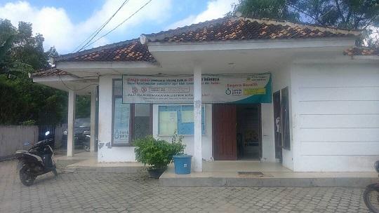 LAMPUNG POST   Pengusaha Kecil di Pasar Unit II Keluhkan Pemadaman Listrik
