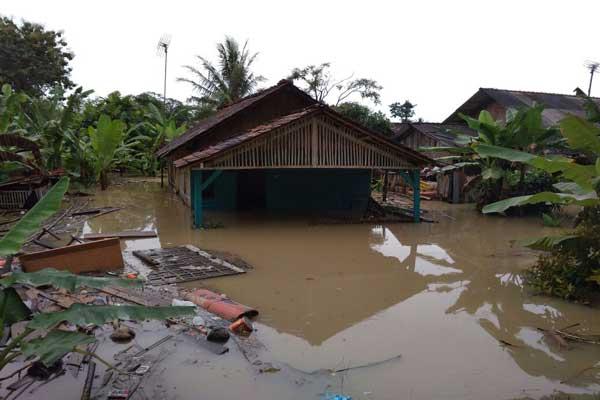 Banjir Terjang Lampung,  4 Orang Tewas dan 2 Hilang