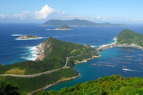 LAMPUNG POST | Pengunjung Dilarang ke Okinoshima, Pulau Tanpa Perempuan