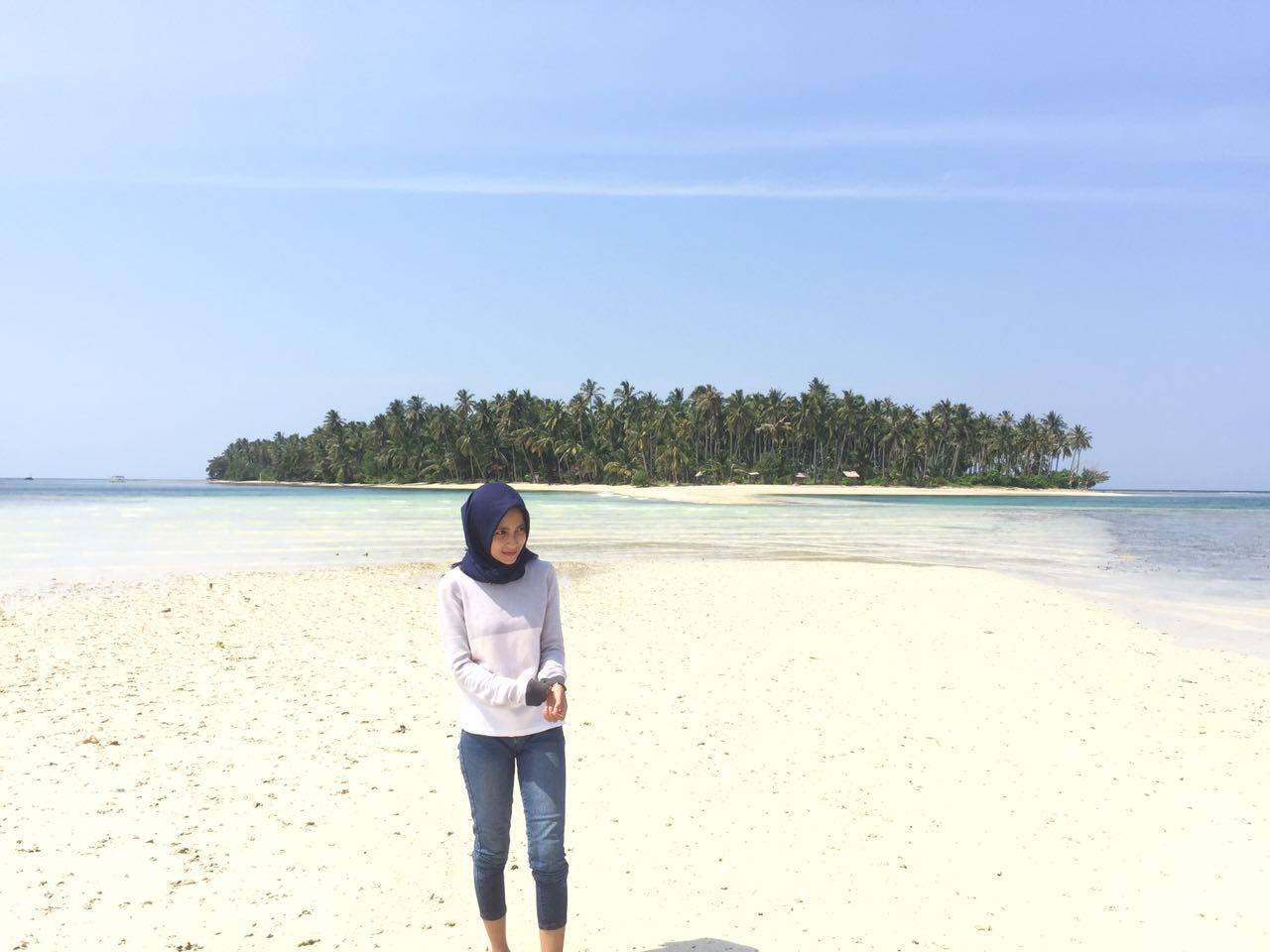 LAMPUNG POST | Menapaki  Pasir Putih di Pulau Mahitam, Pesawaran
