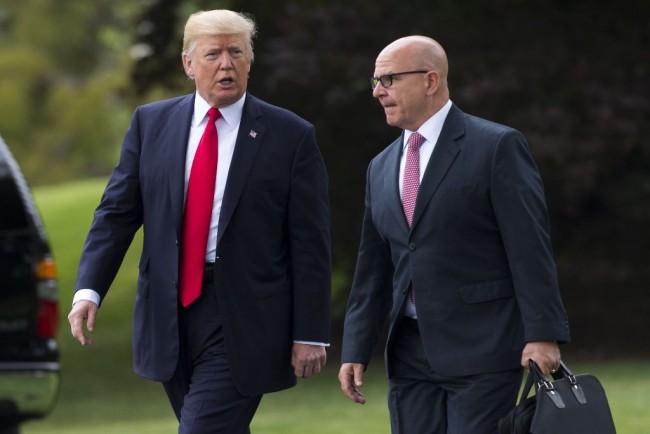 LAMPUNG POST |  Giliran Penasihat Keamanan AS yang Dikabarkan Bakal Dipecat Trump