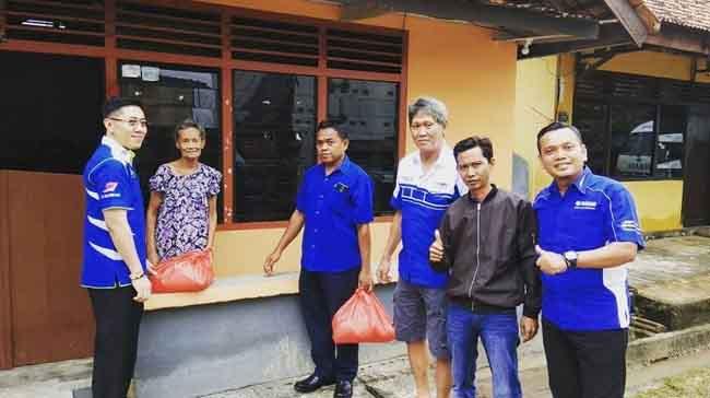 Yamaha Beri Bantuan Korban Banjir di Muntok