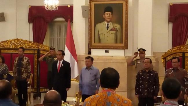 LAMPUNG POST | Jokowi Kumpulkan Seluruh Gubernur dan Pimpinan DPRD