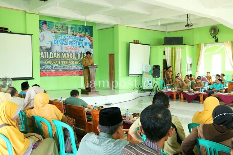 LAMPUNG POST | Distanak Pringsewu Gelar Halalbihalal