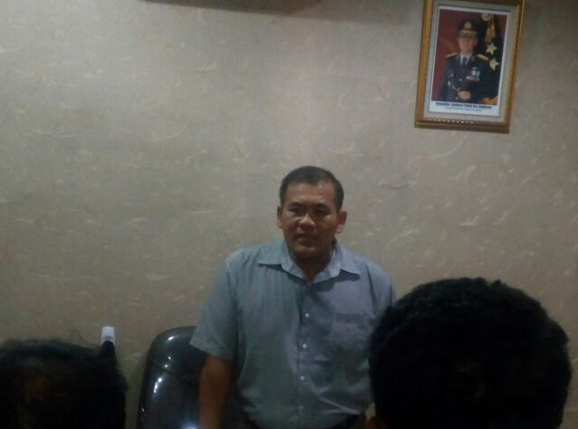 LAMPUNG POST   Patroli, Satuan Shabara Amankan 1 Kg Ganja dari Pengendara Motor