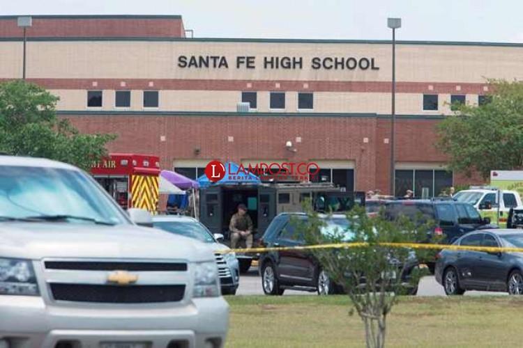 8 Orang Tewas dalam Insiden Penembakan di SMA Santa Fe Texas
